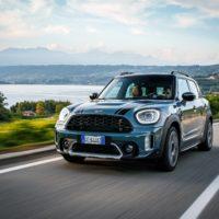 mini_countryman_hybrid_plug-in_electric_motor_news_042