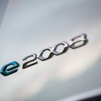 peugeot_e_208_e_2008_caricabatterie_11_kw_electric_motor_news_12