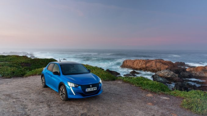 "Premio ""Electric Small Car of the Year"" alla Nuova Peugeot e-208"