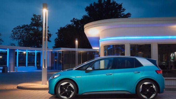 Mappatura dei punti di ricarica EV da Volkswagen e Waze