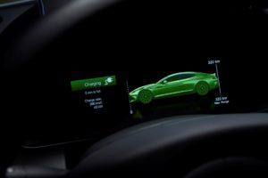 Aston Martin elettrifica il 20% della flotta con tecnologia Mercedes Benz