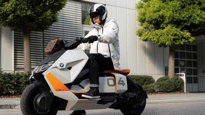 Versione pre-serie dello scooter elettrico BMW Motorrad Definizione CE 04