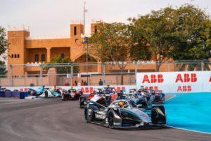 La prima gara notturna di Formula E a Diriyah in Arabia Saudita