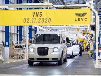 Inizia la produzione del furgone elettrico LEVC VN5