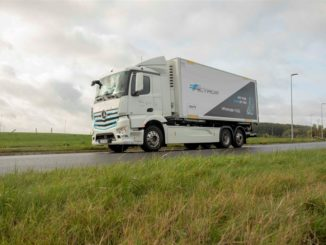 Van Mieghem Logistics testa il camion elettrico Mercedes Benz eActross