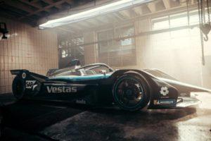 piloti nella stagione 7 per il team Mercedes Benz EQ Formula E