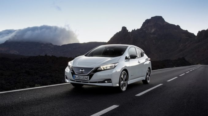 Buon compleanno Nissan Leaf