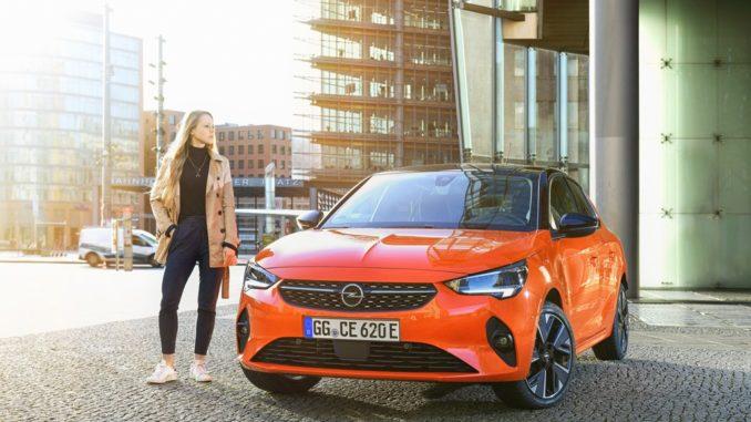 L'elenco dei vantaggi di chi guida una Opel Corsa-e