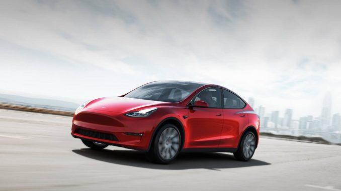 Per errori di assemblaggio, Tesla richiama Model X e Model Y