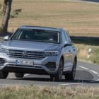 volkswagen_touareg_ehybrid_electric_motor_news_01