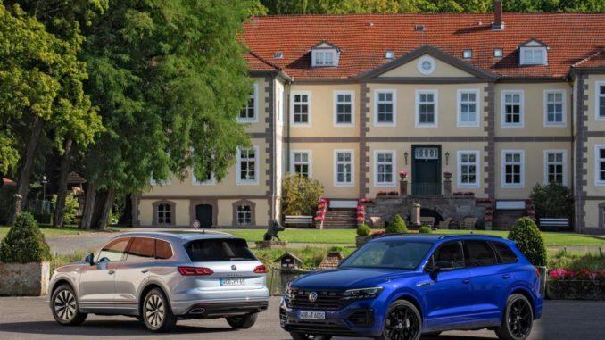 Volkswagen elettrifica Nuove Touareg eHYBRID e Touareg R