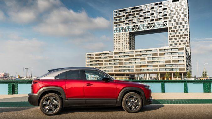 Mazda MX-30 si aggiudica il Design Car of the Year in Giappone