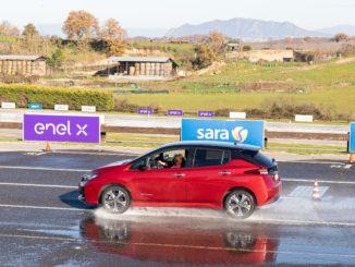 """Collaborazione Nissan e UNASCA per """"scuola guida elettrica"""""""