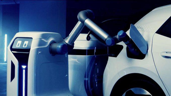 Anteprima del prototipo di robot mobile per la ricarica di Volkswagen