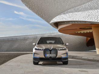 BMW apre la strada alla futura crescita della mobilità elettrica