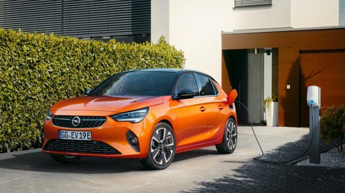 Opel assicura il divertimento di guida con le vetture elettrificate della gamma