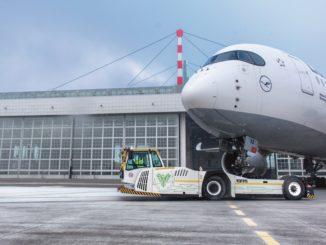 Aeromobili spostati elettricamente nell'aeroporto di Monaco
