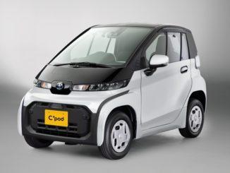"""Toyota ha lanciato in Giappone l'ultracompatto biposto """"C + Pod"""""""