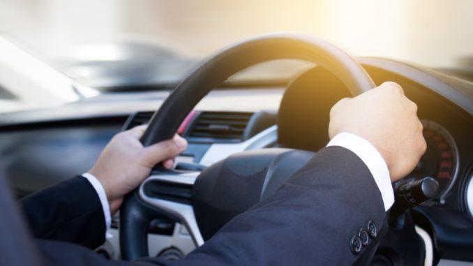 Verso una mobilità sostenibile: l'ascesa delle auto elettriche