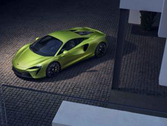 McLaren ha presentato la nuova supercar ibrida Artura