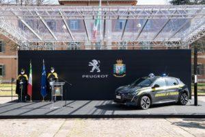 Peugeot e Guardia di Finanza insieme nella transizione energetica