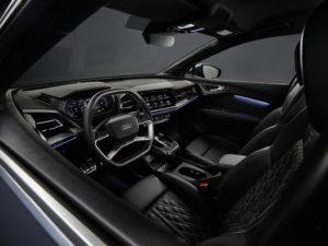 Grande spazio e realtà aumentata del SUV compatto elettrico Audi Q4