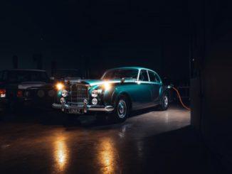 Lunaz ha presentato la prima Bentley classica elettrica