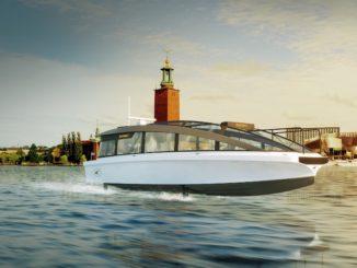 Candela Speedboat ha lanciato a Stoccolma il nuovo foiling Candela P-30