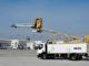 """Un """"elefante"""" elettrico per scongelare gli aerei all'aeroporto di Monaco"""