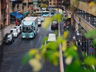 ICA Svezia inizia il percorso verso l'elettrificazione con Volvo Trucks