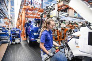 Storia. 65 anni dall'inizio della produzione del Volkswagen Bulli nello stabilimento di Stöcken