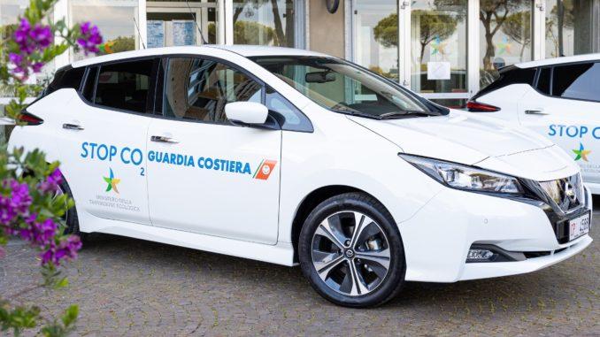 Cinquanta Nissan Leaf alla Capitaneria di Porto