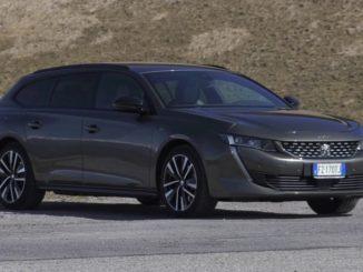 Viaggiare in libertà con la Peugeot 508 SW Hybrid