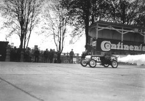 Storia. A un secolo della prima corsa automobilistica sull'Opel Rennbahn
