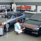 Arbeiten am Design des Opel Astra F. Rüsselsheim, späte 1980er-Jahre