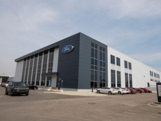 Ford accelera la ricerca e sviluppo delle batterie