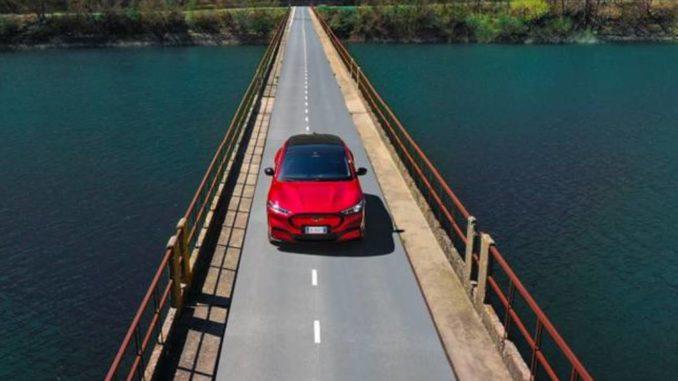 Nel cuore dell'Italia con Mustang Mach-E da Ford Italia e Rai Pubblicità