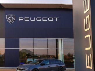 Arriva nelle concessionarie italiane il nuovo logo Peugeot