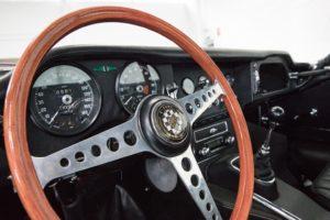 Classic Jaguar E-Type elettrificata da Electrogenic