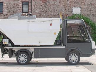 Raccolta rifiuti con il pick-up Gastone di Esagono Veicoli Elettrici