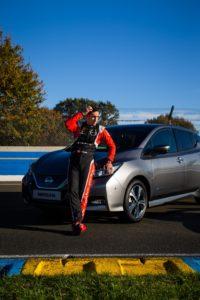 Sébastien Buemi, pilota Nissan di Formula E, dentro e fuori la pista con la sua Nissan Leaf