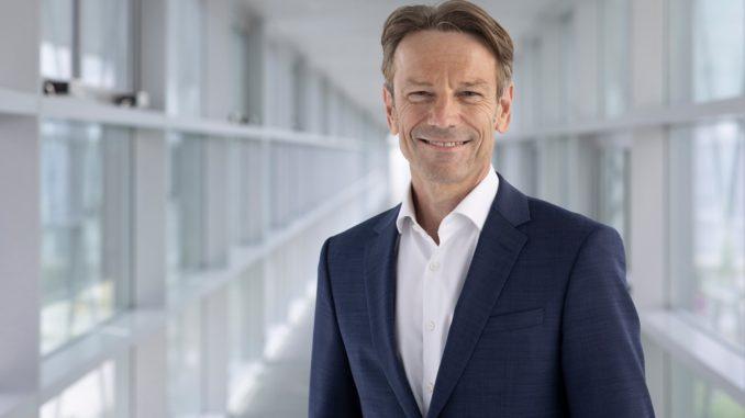 Uwe Hochgeschurtz è il nuovo CEO di Opel
