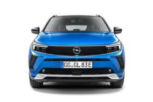 Il nuovo corso stilistico di Opel è audace e puro