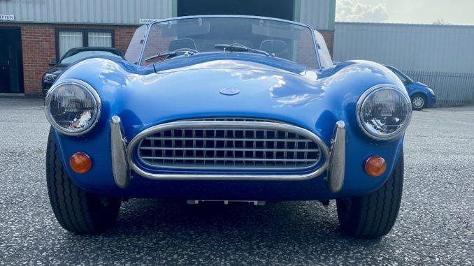 In arrivo la nuova generazione elettrica delle iconiche auto sportive AC Cobra