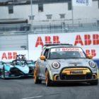The Safety Car leads Sam Bird (GBR), Jaguar Racing, Jaguar I-TYPE 5