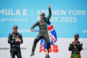 Formula E, E-Prix di New York. Sam Bird vince la seconda gara e si porta in testa al campionato