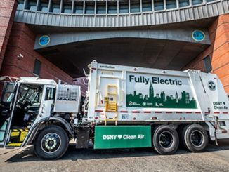Camion elettrici della spazzatura a New York