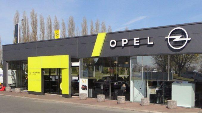 Opel in auto della società, garantendo la mobilità alle vittime delle inondazioni in Germania