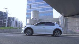 Peugeot con il modello e-208 a trazione elettrica, ha dimostrato che esiste l'automobile confortevole, emozionante e rispettosa dell'ambiente.