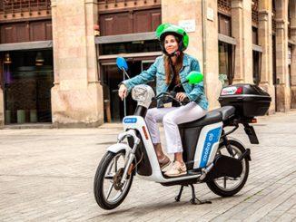 Viaggiare per lavoro con mobilità sostenibile su due ruote da BizAway e Cooltra